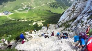 Steiler Abstieg von der Kampenwand über Felsen