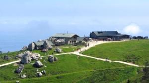 Die Steinlingalm unterhalb des Kampenwand-Gipfels