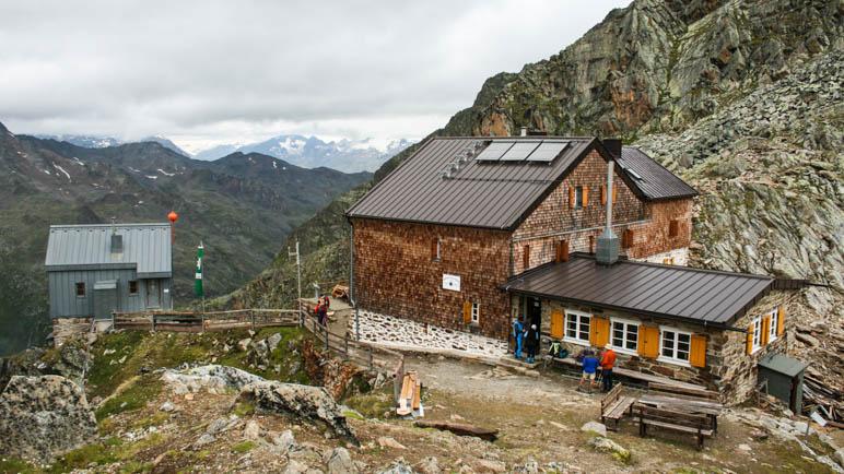 Eine echte Hochgebirgs-Schutzhütte: Die Hildesheimer-Hütte im Ötztal