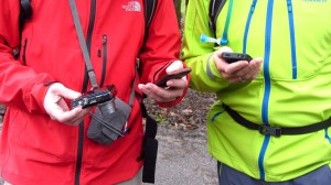 Typisch für die Bloggerwanderung - Zwei Wanderer, drei Devices