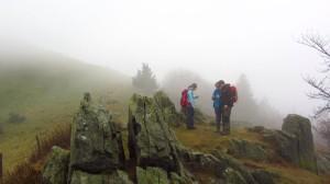 Bloggerwanderer zwischen den Klippen am Pferdskopf