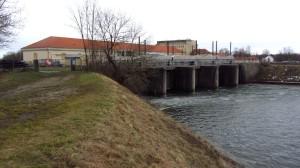 Das Speicherkraftwerk in Neufinsing am Ende des Speichersees