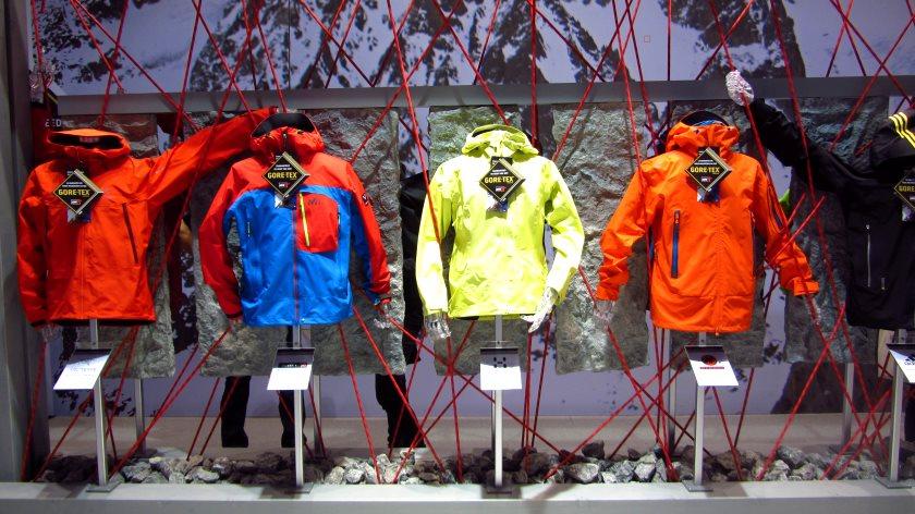 Einige der neuen GORETEX Pro-Shell Jacken, die ab Herbst erhältlich sind