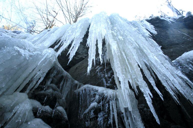 Die ersten großen Eiszapfen in der Partnachklamm