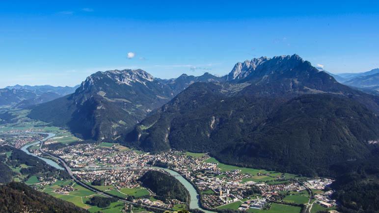 Die Stadt Kufstein und das bekannte Gebirgsmassiv