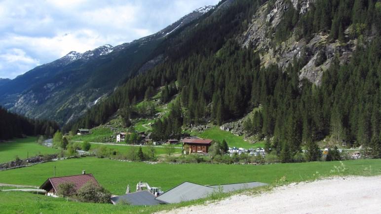 Der Zillergrund mit dem Gasthaus in der Au - unser Basislager