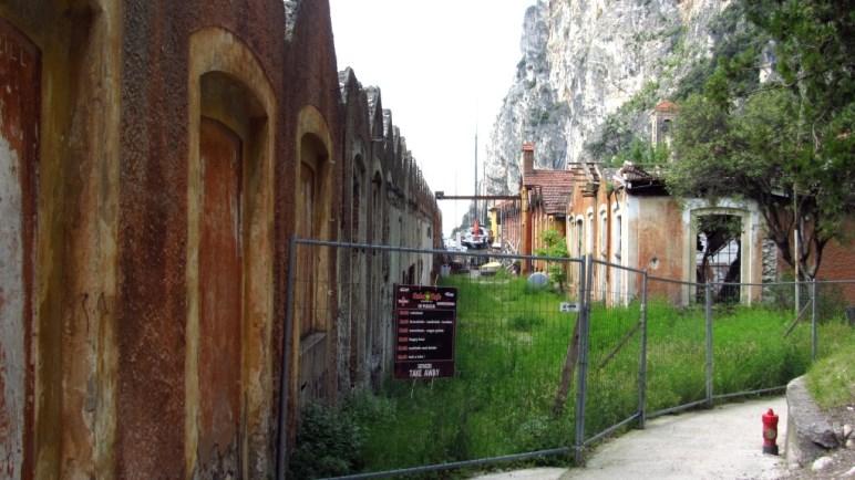 Die Reste der alten Baumwollspinnerei von Campione
