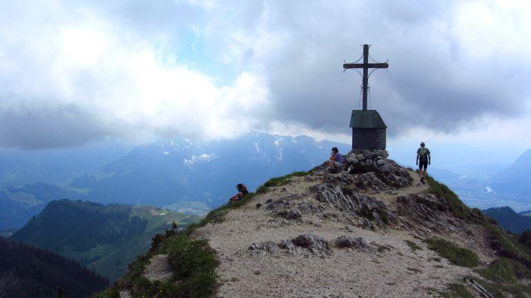 Auf dem Gipfel des Geigelsteins