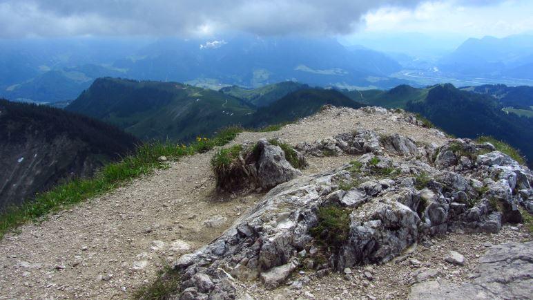 Hier würde man jetzt die Spitzen des Kaisergebirges sehen, wenn nicht diese Wolke davor hängen würde