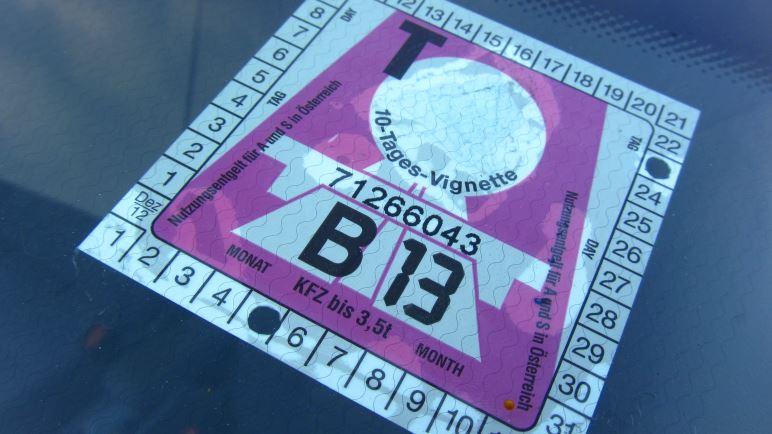 Ohne Pickerl, die Maut-Vignette geht nichts auf Österreichs Autobahnen