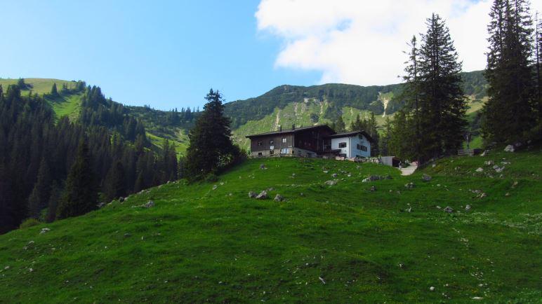 Die Priener Hütte, 400 Höhenmeter unterhalb des Geigelstein-Gipfels