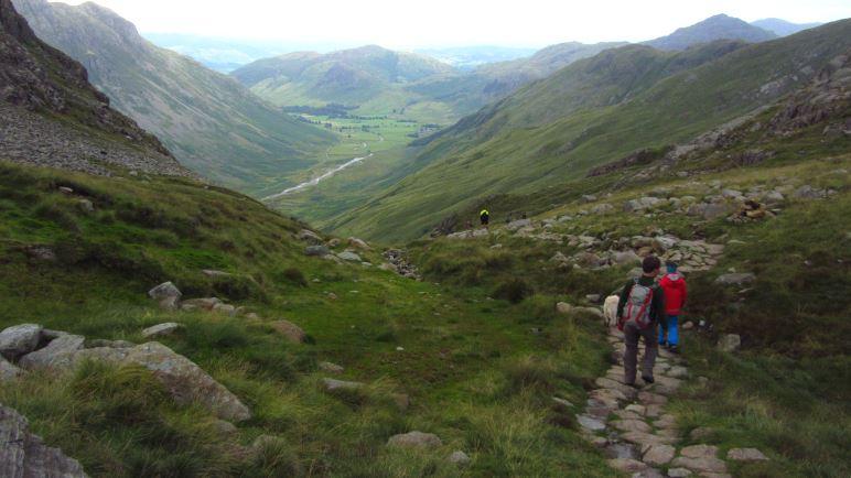 Auf dem Weg zurück ins Tal