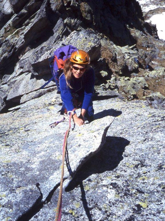 Nicole im ebenso langen wie imposanten Salbit-Westgrat - Foto: Nicole Luzar, Volker Roth
