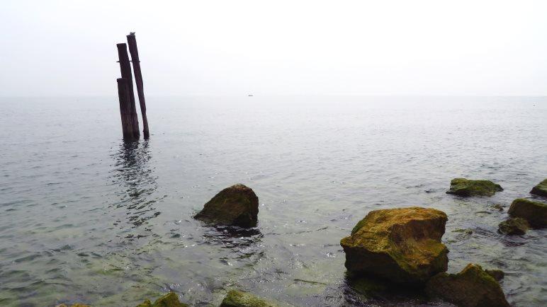 Ein Blick wie auf's offene Meer, das andere Ufer des Gardasees liegt im Dunst