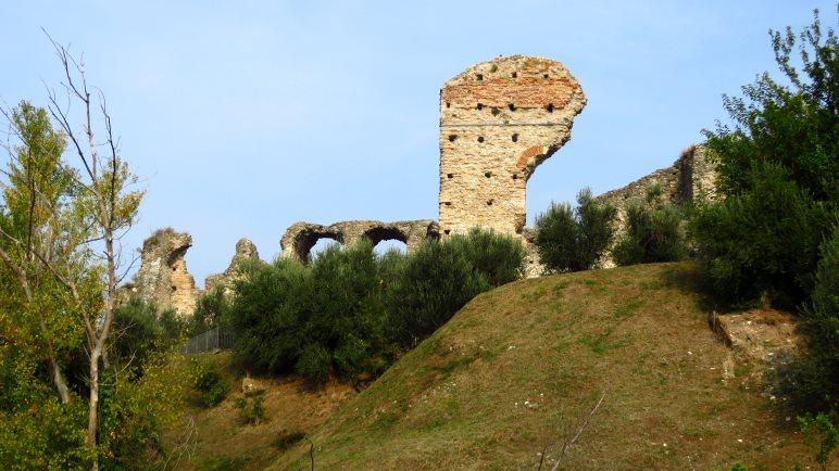 Römische Ruinen der Grotta di Catullo