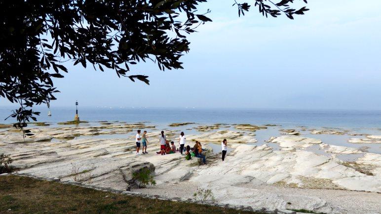 Der Nordstrand Jamaica Beach von Sirmione