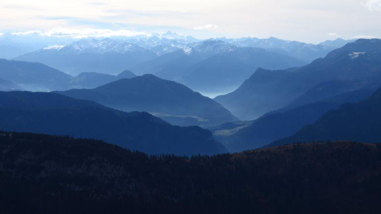 Tolle Ausblicke auf die Alpen während der Wanderung auf das Hintere Sonnwendjoch
