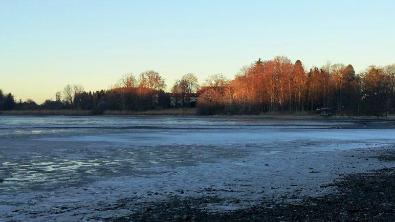 Am Deixlfurter See, der gerade einen sehr niedrigen Wasserstand hat