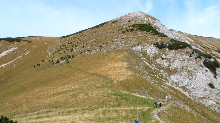 Das Ziel unserer Tour: Das Hintere Sonnwendjoch. Sieht wie ein guter Aussichtsgipfel aus!