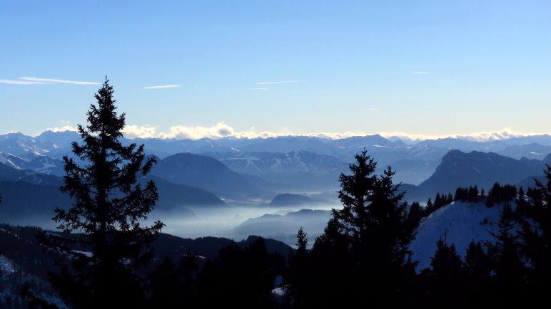 Das Inntal im Nebel, der Bergblick ist schon auf dem Kamm fast grenzenlos