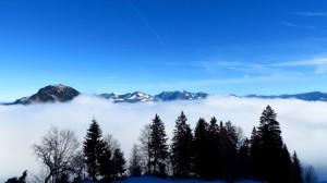 Oberhalb des Nebels! Zum ersten Mal Bergblick!