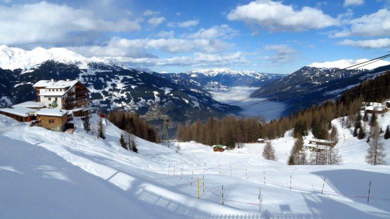 Prächtiger Ausblick über das Zillertal von der Bergstation der Gerlossteinbahn