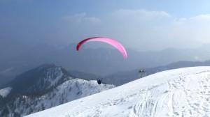 Das sieht schon toll aus, wenn sich die Paraglider in der Thermik hochschrauben