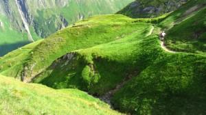 Über die Wiesenberge auf den letzten Metern zur Gleiwitzer Hütte