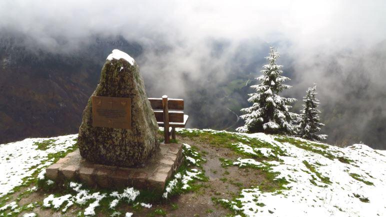 Auf der Wacht - der Aussichtspunkt ins Ursprungtal Richtung Tirol