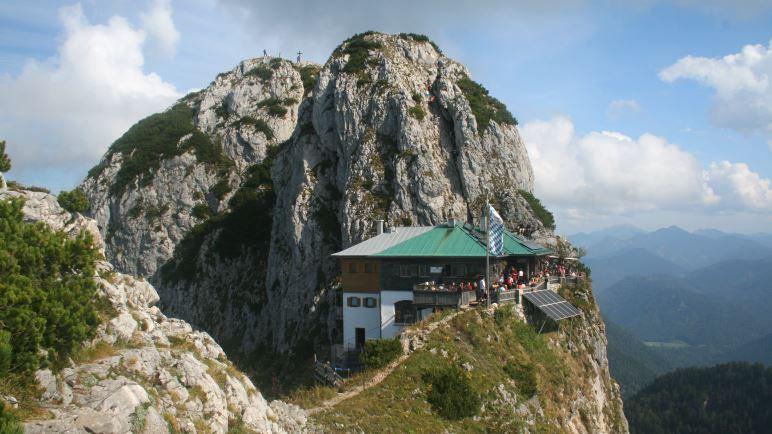 Die Tegernseer Hütte zwischen Roß- und Buchstein