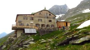 Die Greizer Hütte, die wir über die Rückseite erreichen