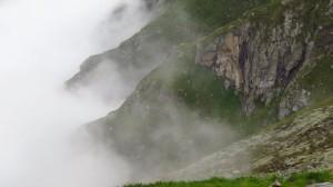 Nebelschwaden am Berg, die sich aber schnell wieder verziehen