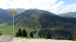 Auf dem Berg gegenüber befindet sich eine Landebahn für Ausserirdische. Oder Skipisten