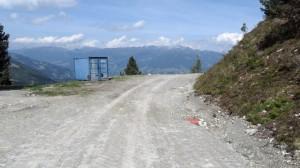 Baustelle mit Container und Drainage