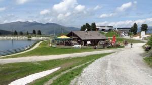 Viel los: Speichersee, Hütte, Garage, Bergstation