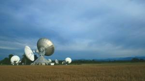 Eine ganze Antennengruppe in Raisting