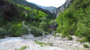 Das breite Bachbett im Valle del Signol, kurz vor Limone