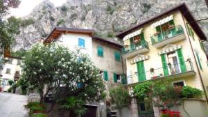 Häuser in der Altstadt von Limone