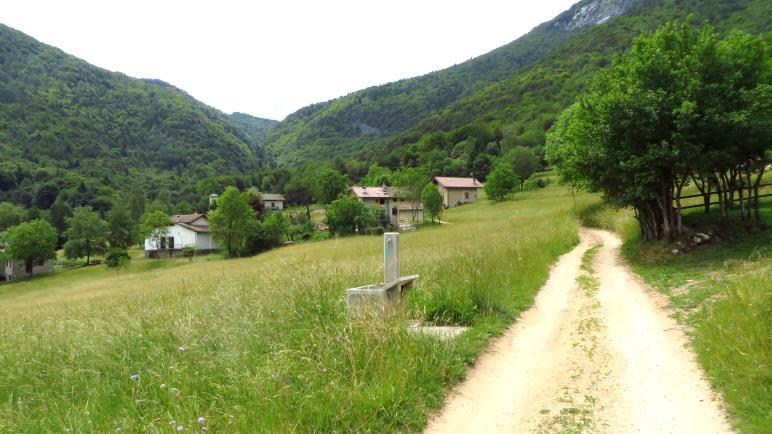 Leano, das kleine Dorf im Hochtal zwischen Ledrotal und Gardasee