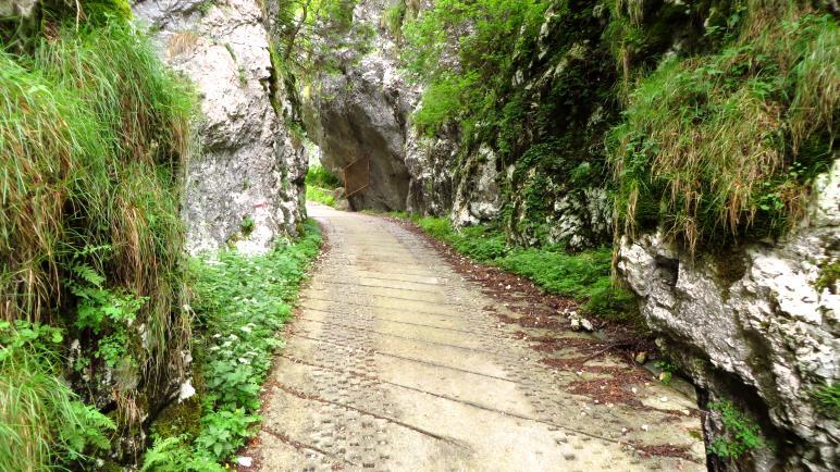 Das Felsentor zur Malga Vil