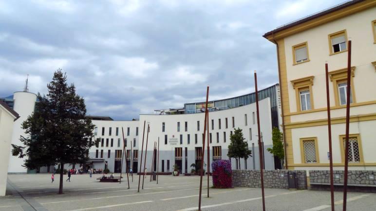 Das moderne Rathaus von bruneck