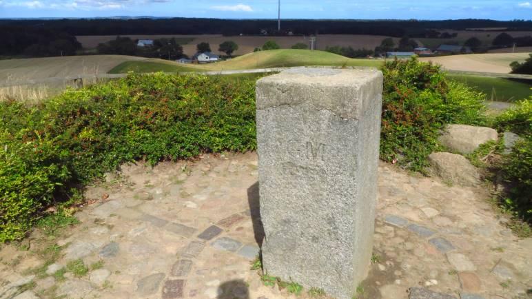 Der Gipfelstein des Bungsbergs