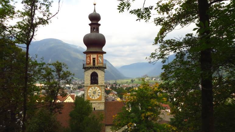 Die Rainkirche mit ihrem markanten Turm