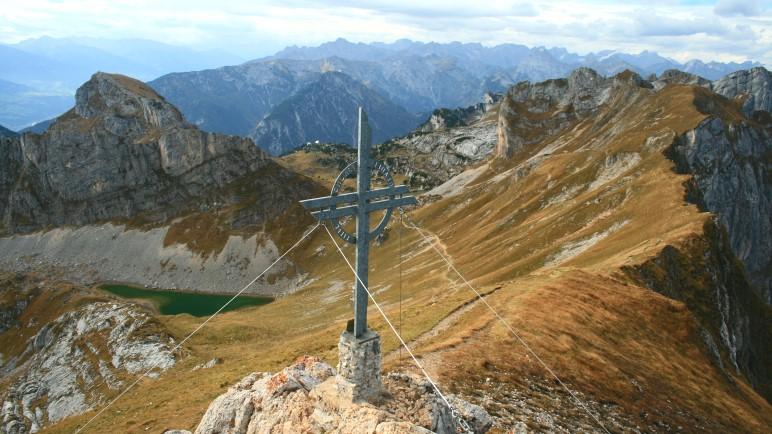 Von der Rofanspitze hat man einen fantastischen Rundblick über die Alpen, hier in Richtung Karwendel