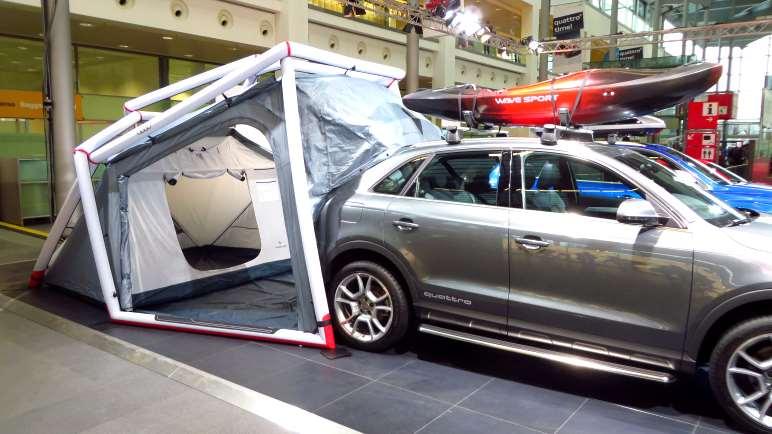 Heimplanet Zelt und Audi Quattro - passt und sieht außergewöhnlich aus.