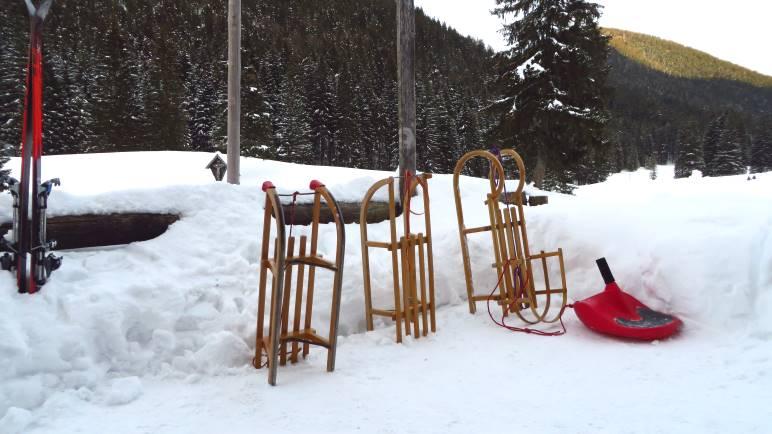 Schlittenparkplatz an der Schwarzentennalm