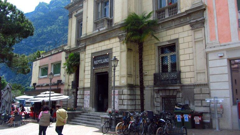 Das Reptiland, direkt gegenüber der Burg in Riva