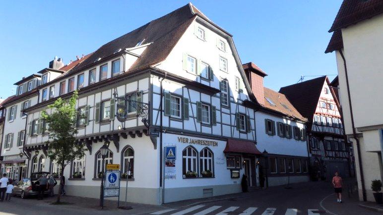 Ich habe im Hotel Vier Jahreszeiten in Bad Urach gewohnt