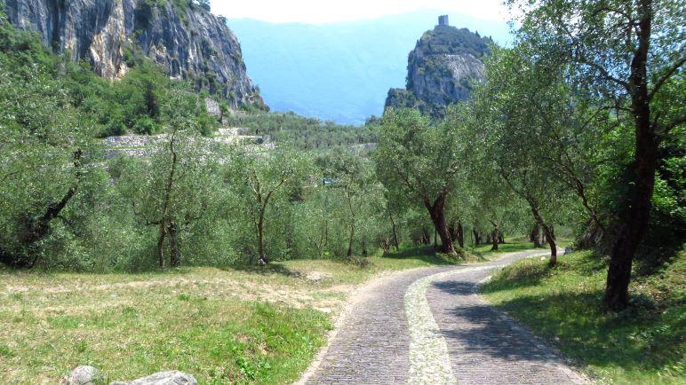 Klettersteigset Verleih Arco : Colodri klettersteig bei arco am gardasee auf den berg.de