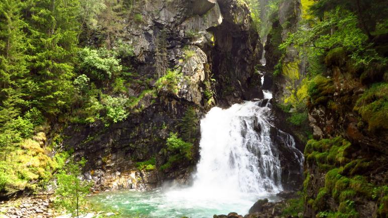 Der erste Reinbach-Wasserfall